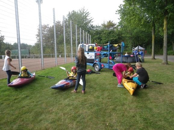 C:\Users\Bianca-M\Pictures\2016\WKC\Schule trifft Sportverein 23.09. Auestadion\IMGP0009.JPG